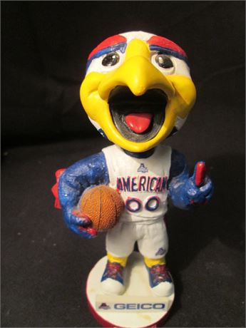 "Vintage Cleveland Geico Claws 00  7 1/2"" bobble Head"