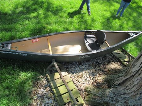 Discovery Old Town Canoe