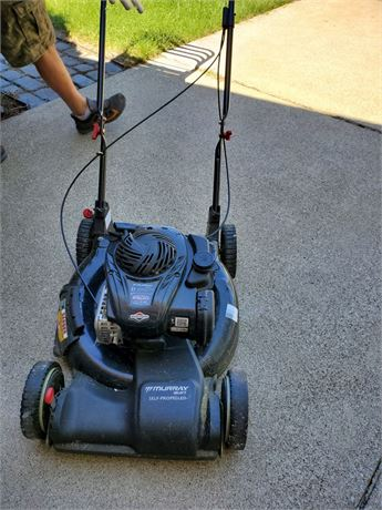 "Murray 21"" Self Propelled Lawn Mower w/ Briggs & Stratton Engine"