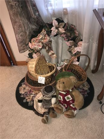 Floral Wreath, Area Rug, Stuffed Animals and Baskets Lot