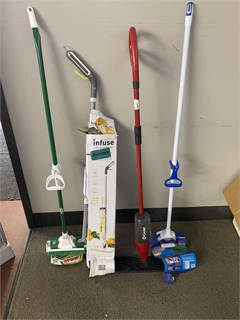 Lot of 4 misc mops. Unused but scratch and dent.