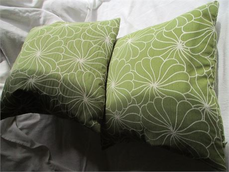 """Matched Pair Green w/ Floral Pattern 15"""" Throw Accent Cushion Pillows"""