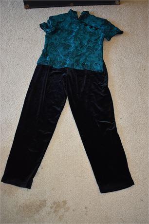 Jessica Howard Asian inspired 2 pc outfit-Size 12-Black velvet pants/satin top