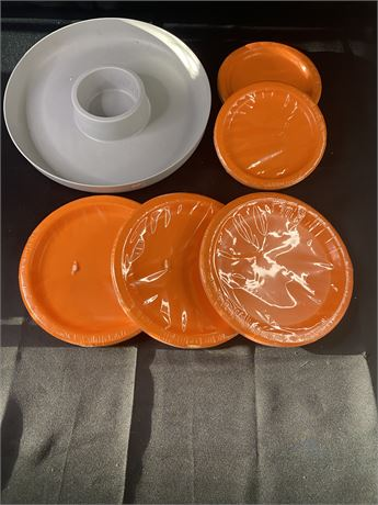 Bundle of 6 items. Lg and Sm orange paper plates and grey chip/dip tray.
