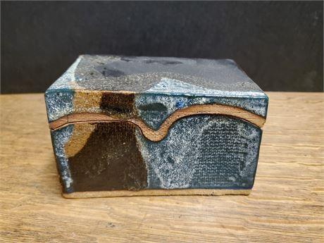 Pottery Trinket Box Jensen?
