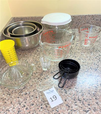 Stainless Steel Nesting Mixing Bowls, Pyrex and Pampered Chef Measuring Tools