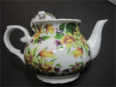 Vintage Chintz Fancy Porcelain Tea Pot Collectible