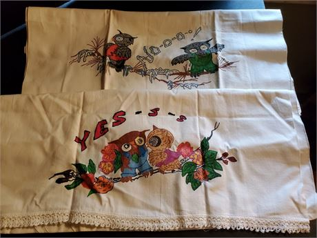 Pair of Vintage Yes No Owl Pillowcases