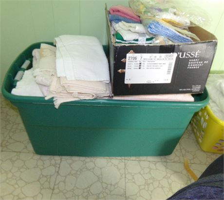 Large Tote with Towels and Washcloths