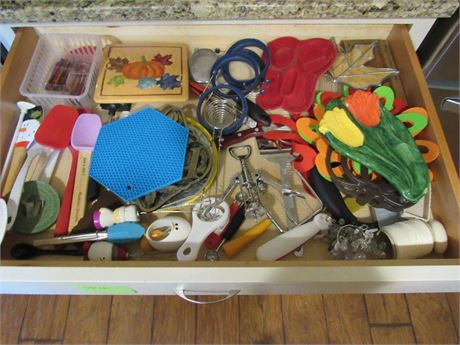 Kitchen Drawer Clean Out 1