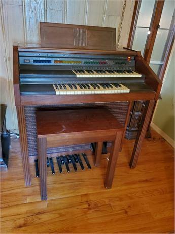 Lowrey Debut Organ & Bench