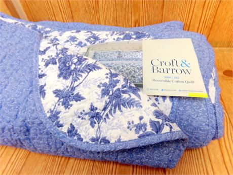 Croft and Barrow Reversible Quilt- Hardly used- King Size