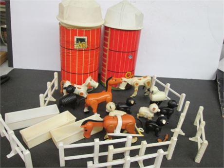 Vintage Fisher Price Farm Barn Silos & Farm Animals 1960-70's Lot