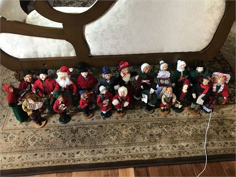 21 Collectible Christmas Carolers
