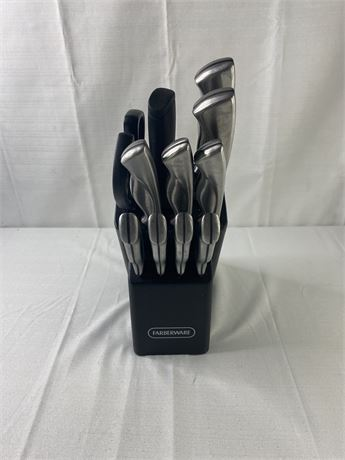 Faberware 12 piece knife set with block. used