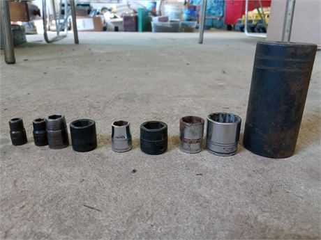Assorted Snap-on sockets