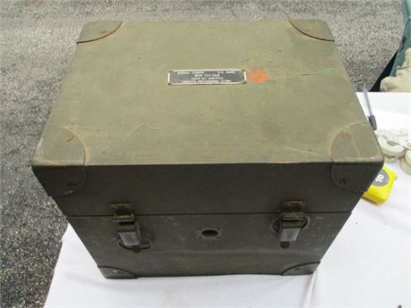 """Vintage 1940's WW II Signal Corps CH318 Recorder 16"""" X 13"""" Case"""