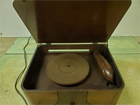 Antique General Electric Phonograph w/Bakelite Arm