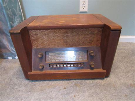 Vintage Philco Tube Radio