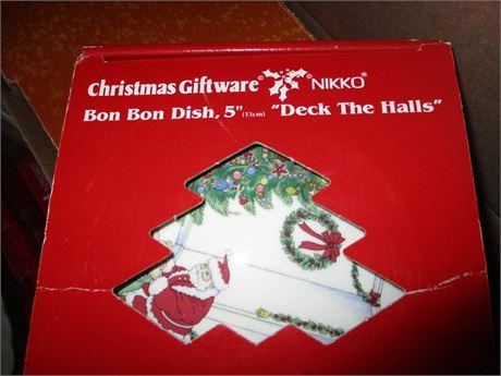 "Genuine May & Co NIKKO Christmas Time China Candy 5"" Lidded Bon Bon Dish"