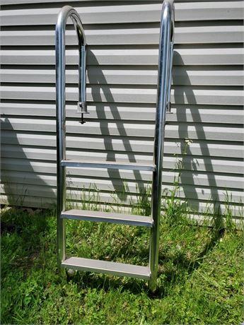 """60"""" Metal Pool Ladder"""
