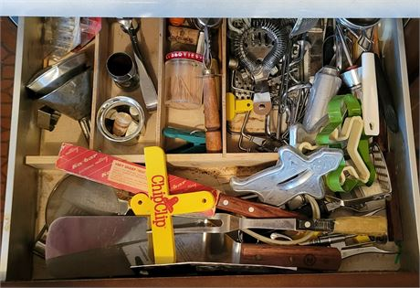 Kitchen Drawer Clean Out #4