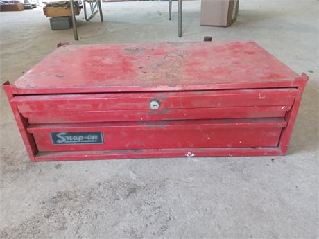 Snap-on tool chest center section
