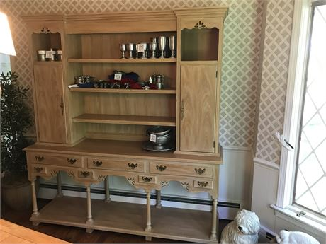 Hickory Manufacturing Factory Large Kitchen Cupboard - Contents not Included