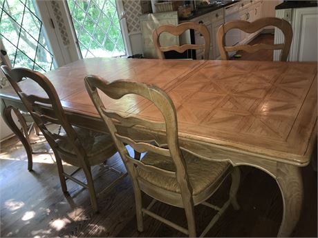 Parquetry Country Kitchen Table with 6 Chairs , 2 Leaves, and Protective Pads