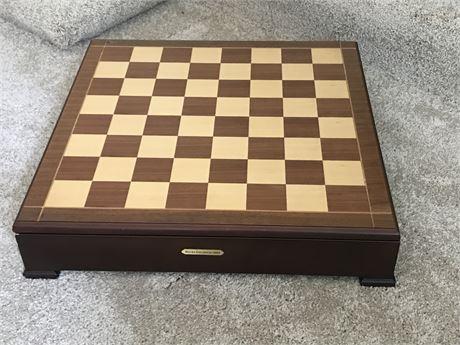 Leon Lake Decoy Company Chess Set - Ducks Unlimited 2003