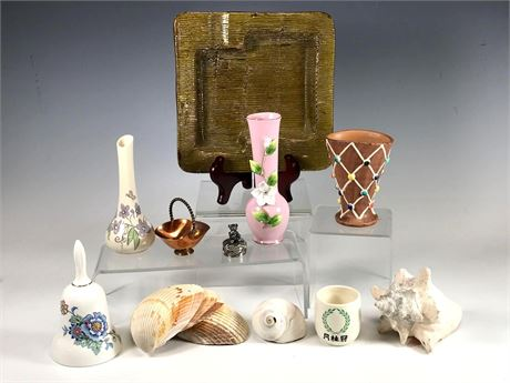 Decorative Arts and Home Decor Group Lot