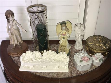 Dresser Decorative Lot