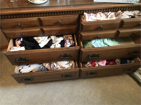 Closet and Dresser Ladies Clothing Lot