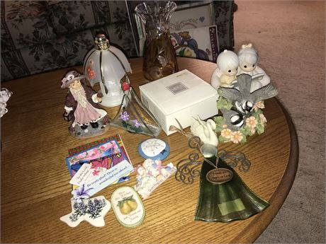 Decorative Lot including Refrigerator Magnets