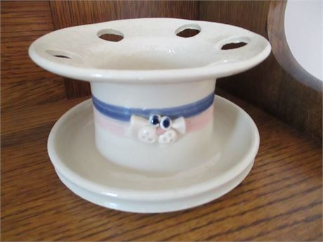 Hand Crafted Pottery Franceinz Signed Yankee Peddler Cat  Tooth Brush Holder