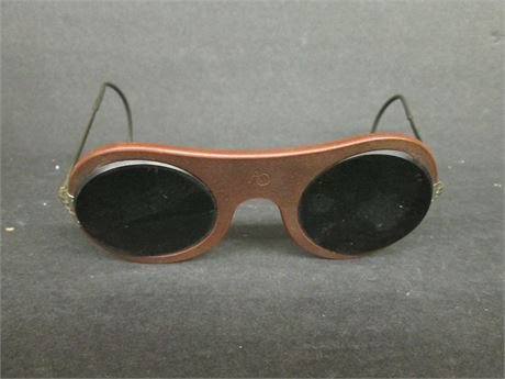 Premium Custom American Optical Men's Sun Glasses Like New