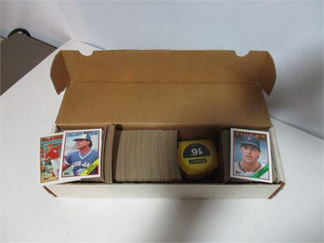 2 Lots 500-600 PCS 86 TOPPS & 88 TOPPS MLB Player Baseball Cards