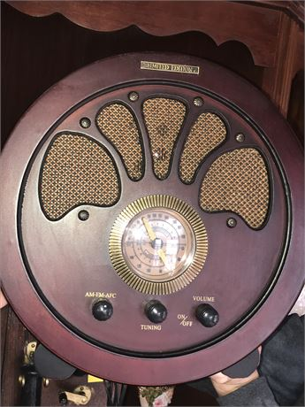 """Reproduction """"Old Time"""" Radio (AM/FM/AFC)"""