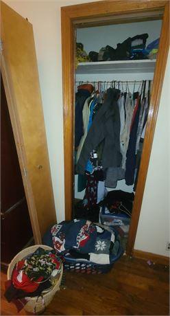 CLOSET CLEANOUT (Men/Womens Clothes/Hats/Scarves/Gloves/Etc.)