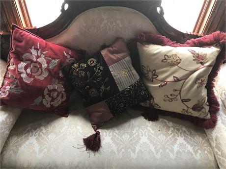 Pillow Lot (3)