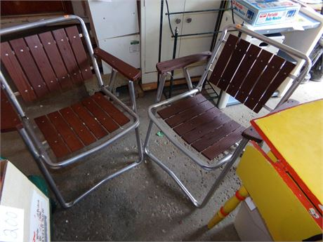 2 Vintage Folding Lawn Chairs