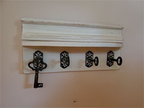 Neat Wood Shelf  w/ Key Shape Coat Hooks