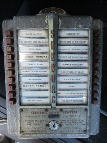 Authentic Seeburg 1950's Wall o Matic Tabletop Jukebox Stereo