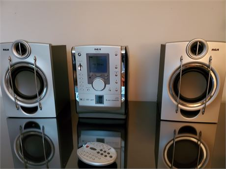 RCA R52052 Stereo CD w/ remote