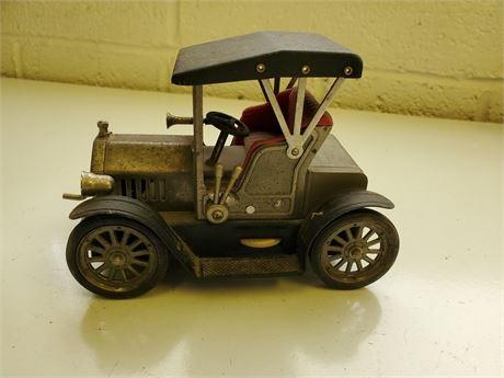 Vintage Tin Car Shaped Radio