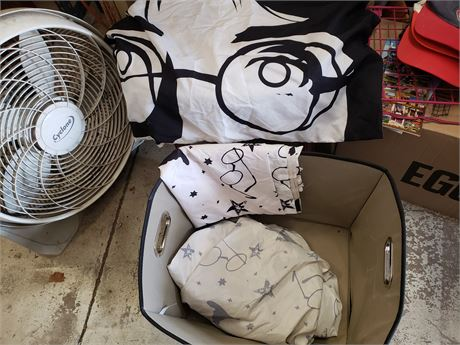 Harry Potter Twin Bed set & Black lg Storage Bin lot