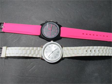 2 New Fun FASHION working Ladies New Quartz Fashion Watches