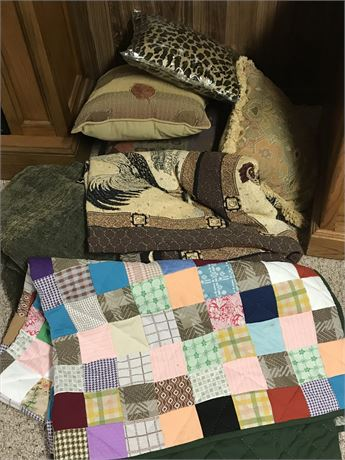 Hand Stitched Quilt, Pillows and Other Linens Lot