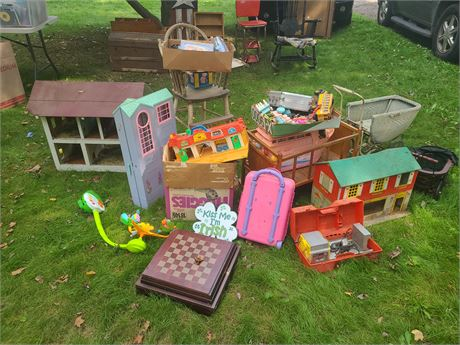 Vintage Toy Lot: Doll Stroller/Playhouse/Doll Crib/Barbie House & Boat & More