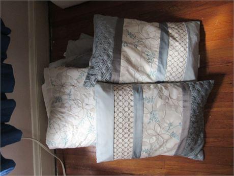 Full Size Linens Lot